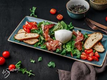 Prosciutto with mozzarella