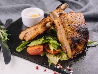 Pork Ribswith salad
