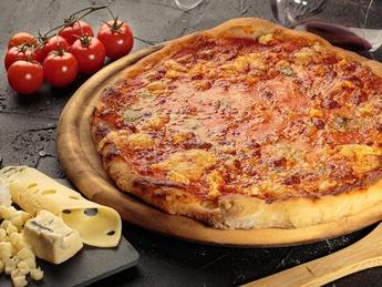"""Pizza """"Quattro Formaggi"""""""