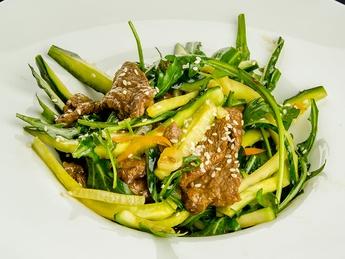 Salată coreiană cu castraveți