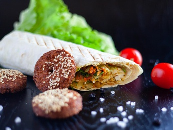 Kebab cu falafel