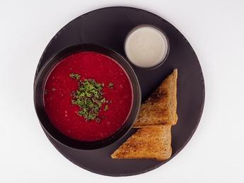 Свекольный суп крем с телятиной