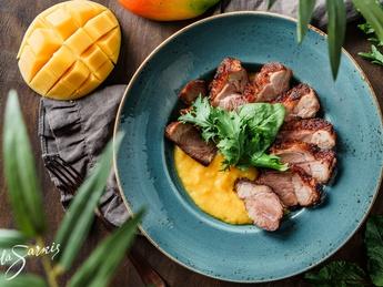 Turkey thigh with Mango Puree