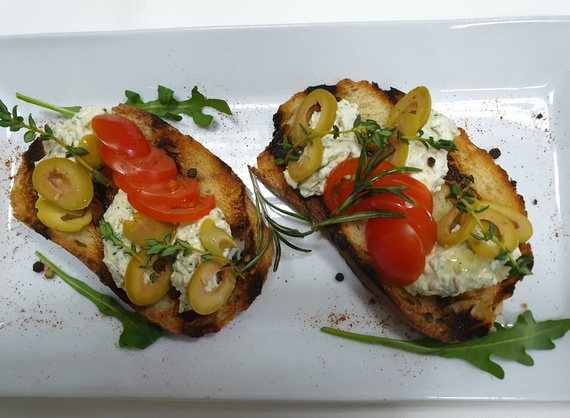 Bruschettas with Feta cheese and olives