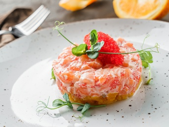 Salmon with additive to choose
