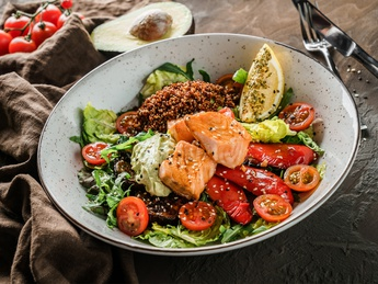 Salmon and vegetables cobb salad