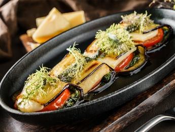 Moussaka style eggplant rolles