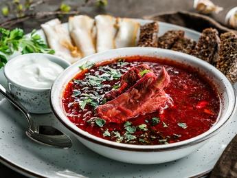 Borscht with pork ribs