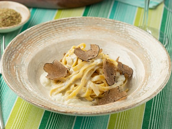 Paste with fresh truffle
