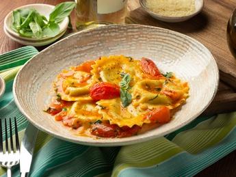 Ravioli with ricotta in cherry tomato sauce