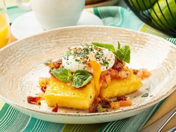 Polenta with ricotta cheese and poached eggs