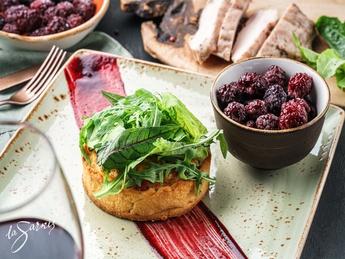 Quiche lorraine with sous vide turkey