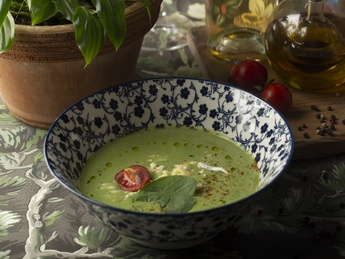 Broccoli and spinach cream soup with brie