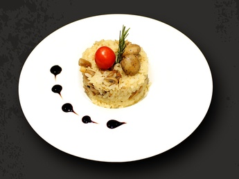 Risotto with chicken and mushroom