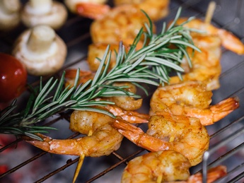 Grilled shrimp with sauce sweet chili