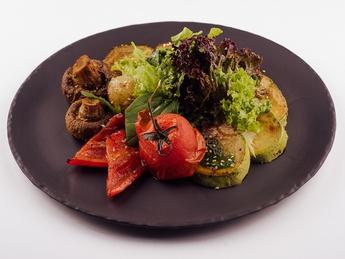 Овощи, запеченные в печи