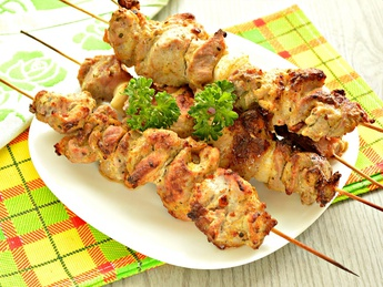 Pork skewers with chetciup