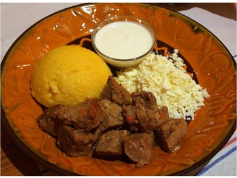 Pork tocana with mamaliga