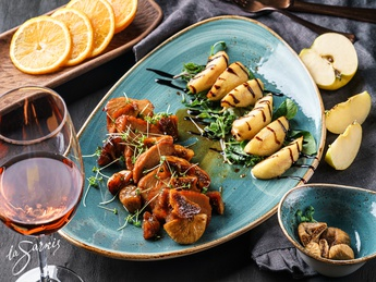Grilled turkey fillet with figs