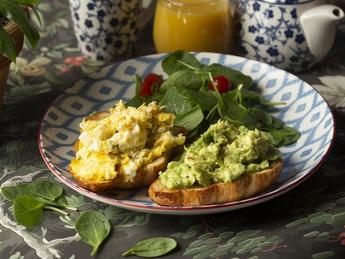 "Breakfast ""IL Forno"" with salmon"