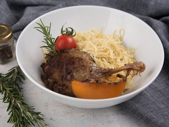 Duck leg with homemade noodles