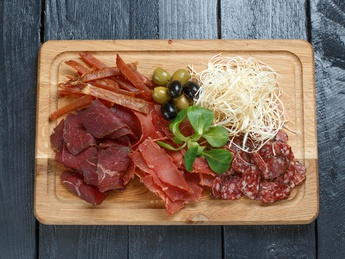 Meat appetizer for wine and beer