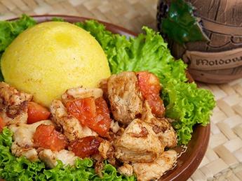 Chicken tocana with mamaliga
