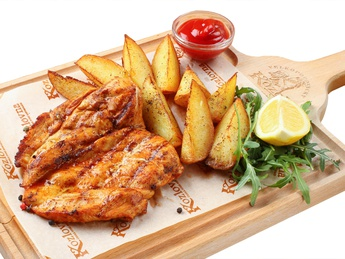 Grilled chicken fillet with baked potatoes
