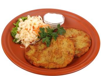 Цмунда - брамбораки из картофеля с беконом