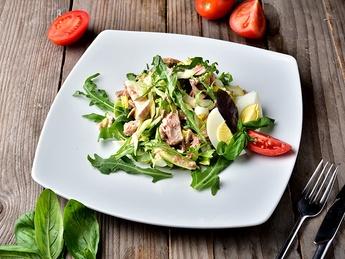 Салат c тунцом и сельдереем