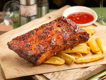 Pork ribs with French fries