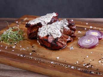 Beef medallions with mushroom sauce