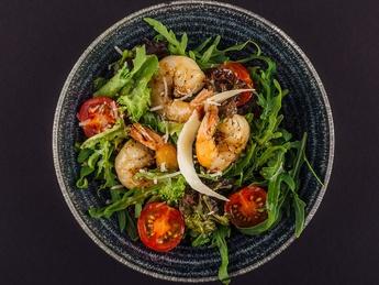 Arugula with shrimp salad