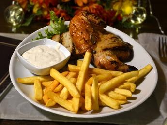 Half of a Hamburg-style grilled chicken