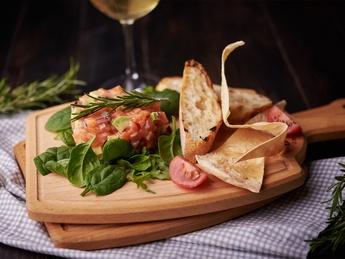 Tartar with salmon