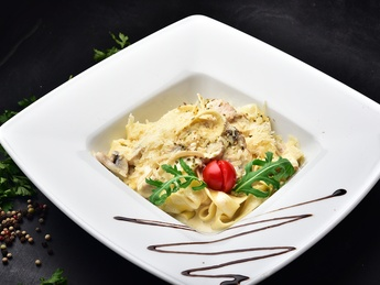 Fetucini with chicken and mushrooms