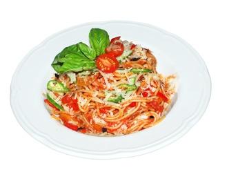 Spaghetti with paprika, bacon, eggplan, onion