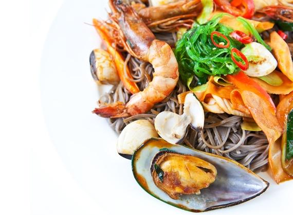 Соус Терияки с гречневой лапшой и морепродуктами
