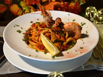 Bavette with seafood