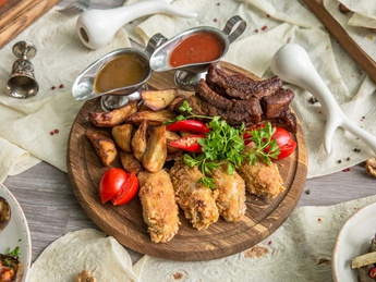 Set Chicken wings and pork ribs