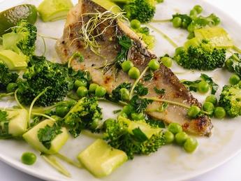 Fillet of zander a la naturel with green vegetables