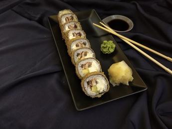 Tempura roll with Eel