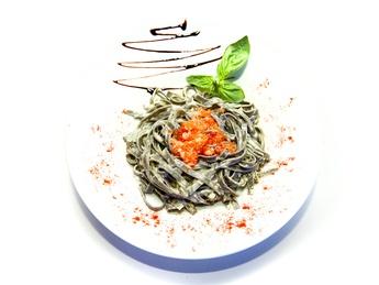 Tagliatelle with red caviar