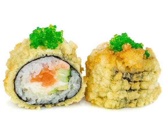 Crispy salmon hot roll