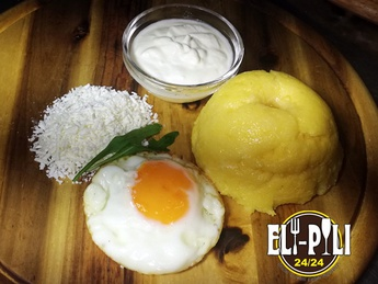 Moldavian polenta with a brynza and sour cream