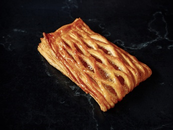 Pastry with apple jam