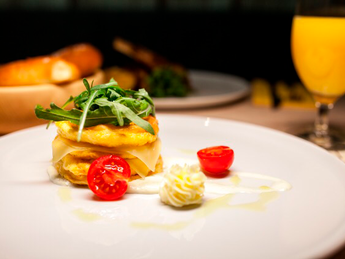 Omelette with arugula and сheese