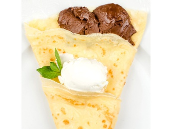 Pancake with ice cream and nutella
