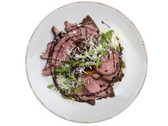 Roast beef cu sos Pesto