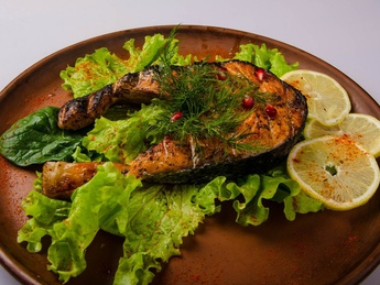 Grilled salmon (weight product)